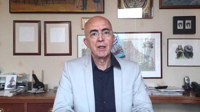 Dr. Frans X. Plooij